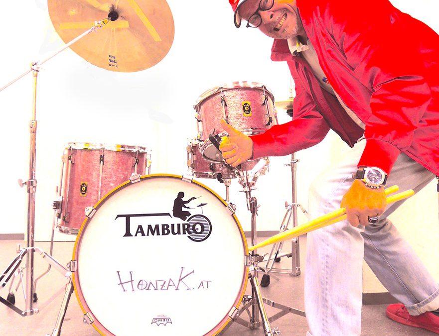 """Begeisterter TAMBURO DRUMMER   """" DA HONZI"""""""